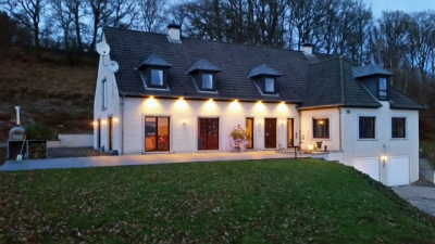 Beautiful 6 Bedroom house with gym & sauna available to rent for Spa Rounds.